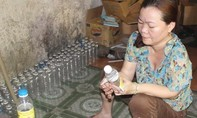 Phát hiện cơ sở sản xuất dấm dùng axit pha với nước lã