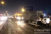 Tai nạn liên hoàn, tài xế kêu cứu trong cabin