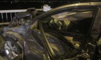 Xe biển số quân đội đâm xe 5 chỗ nát đầu trên cầu Vĩnh Tuy