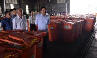 Bí thư Thăng vừa thị sát xong, người dân quanh bãi rác Đông Thạnh được khám sức khỏe miễn phí