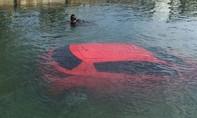 Lái xe theo chỉ dẫn của GPS: kết quả xe lao xuống vịnh