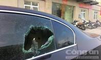 CSGT phá cửa BMW, giải cứu tài xế 'ngủ quên' trong xe