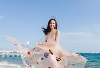 Cận cảnh bộ váy mang chủ đề biển cả của Angela Phương Trinh tại LHP Cannes
