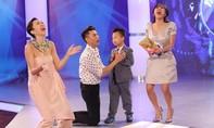 """Văn Mai Hương """"lộ hàng"""" trên sóng truyền hình quốc gia"""