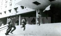 Dựng bia tưởng niệm chiến sĩ Biệt động Sài Gòn tại Dinh Độc Lập