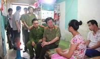 Bộ trưởng Tô Lâm gửi thư khen Thượng úy Trần Anh Tuấn và trao quà cho vợ chồng người bán chổi khuyết tật