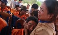 34 thuyền viên gặp nạn trở về: Những phút giây nghẹn ngào