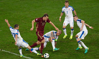 """Nga – Slovika (1-2). """"Gấu"""" Nga """"ngủ đông"""" giữa mùa hè"""