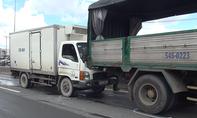 Xe tải tông xe sửa chữa cầu đường, 3 người thoát chết