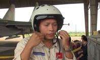 Đưa thi thể phi công Trần Quang Khải về đất liền