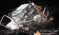 Container đấu đầu xe tải trên 'cung đường chết chóc', 3 người chết