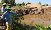 Hàng chục héc-ta đất sản xuất bị ảnh hưởng do làm đường dẫn