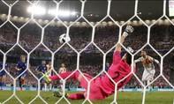 Thủ môn Croatia tiết lộ bí quyết cản phá quả phạt đền của Ramos