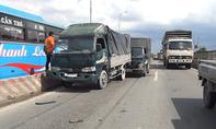 TP.HCM: Ô tô xếp hàng hơn 2km do tai nạn liên hoàn