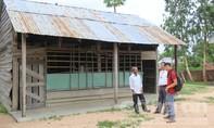 Thế chấp cả gia tài cho 'Yàng' để di dời 1.000 bộ hài cốt khỏi sân trường