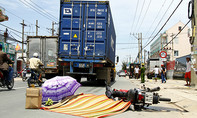 Va chạm xe container, người đàn ông bị cán chết