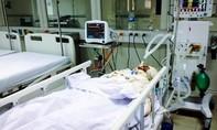 Chồng cũ tưới xăng thiêu sống vợ tại bệnh viện