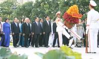 Lãnh đạo TP.HCM dâng hương kỷ niệm ngày Bác Hồ ra đi tìm đường cứu nước