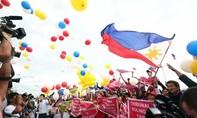 Người dân Philippines ăn mừng phán quyết của Tòa PCA