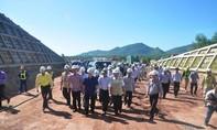 """Phó Thủ tướng Trịnh Đình Dũng chỉ đạo """"dốc sức"""" hoàn thành 2000 km đường cao tốc Bắc- Nam vào năm 2020"""