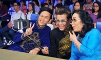 Nghệ sĩ Hoài Linh nhí nhảnh selfie cùng MC Thanh Bạch, Thanh Hằng
