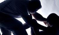 Thư ký riêng tố sếp nước ngoài cưỡng hiếp