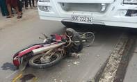 Xe bồn lôi xe máy 20m trên đường, hai anh em ruột  nguy kịch