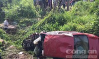 Xe BMW lao xuống vực, 2 người tử vong