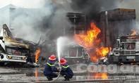 Hải Phòng: 3 xe container cháy dữ dội tại Cảng Vật Cách