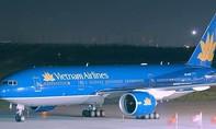 Hàng chục chuyến bay bị chậm và tạm dừng do ảnh hưởng của bão số 1