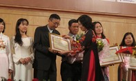 Nhạc viện TP.HCM nhận Cờ thi đua của Chính phủ