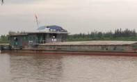Khẩn trương tìm kiếm 4 người bị mất tích trong vụ va chạm tàu thủy trên sông Hồng