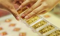 Mua vàng đúng 'đỉnh', lỗ gần 3 triệu đồng/lượng sau 1 đêm