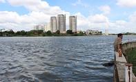 Thi thể nam thanh niên phân hủy trôi trên sông Sài Gòn