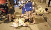 Truy bắt 'quái xế' đạp ngã xe CSGT ở Sài Gòn