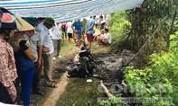 Một phụ nữ chết cháy bên chiếc xe máy trơ khung, nghi bị sát hại