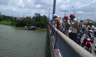 Nợ tiền ngân hàng, nam công nhân nhảy sông Sài Gòn tự vẫn