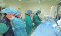 TP.HCM: Lần đầu tiên dùng hạt nhựa khống chế khối u tiền liệt tuyến