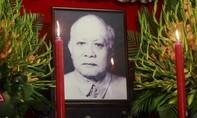 Lãnh đạo TP.HCM thắp hương cho cố Chủ tịch Tôn Đức Thắng