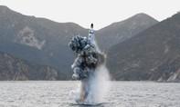 """Triều Tiên phóng tên lửa từ tàu ngầm """"dằn mặt"""" Mỹ- Hàn"""