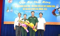 Xạ thủ Hoàng Xuân Vinh được đón tiếp nồng nhiệt tại quê nhà Quảng Trị