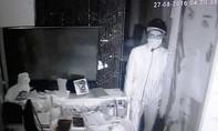Đột nhập quán cà phê giữa trung tâm Sài Gòn trộm gần 500 triệu đồng