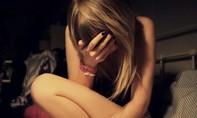 Vợ tố cáo chồng hiếp dâm con gái ruột có thai