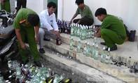 Tiêu huỷ hàng chục chai Chivas lậu