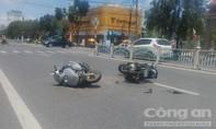 Hai xe máy tông nhau, một người nhập viện