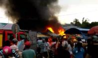 Cháy lớn thiêu rụi 4 tiệm tạp hoá ở chợ đêm 'Làng đại học'