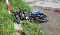 Container húc nam thanh niên văng 10m trên xa lộ, tử vong