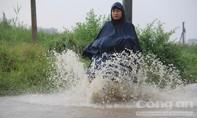 Sài Gòn lại mưa lớn khiến nhiều chuyến bay không thể cất cánh