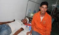 Nam thanh niên bị gần chục người vây đánh nhập viện chỉ vì… nhìn mặt láo