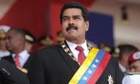 Tổng thống Venezuela bị người biểu tình đuổi chạy
